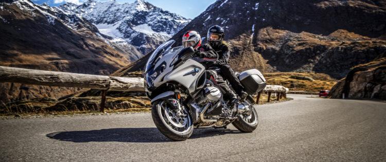 Motorrijden door de bergen op Bridgestone motorbanden