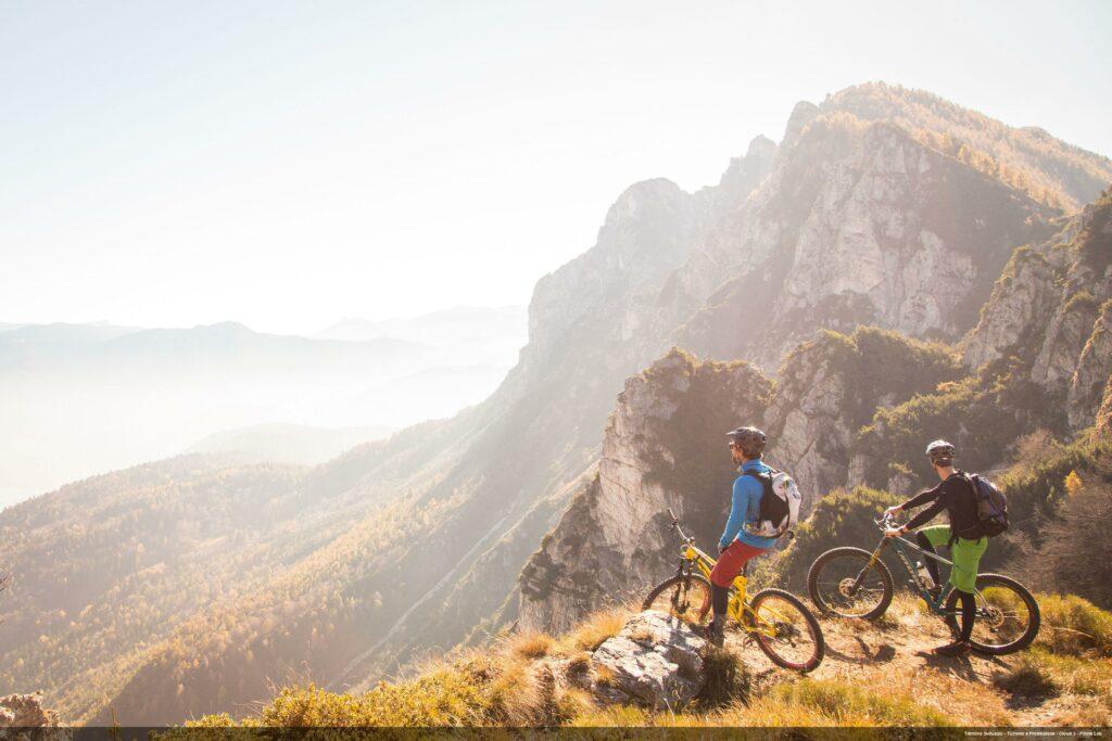 Uitzicht over de bergen van Trentino in Italië
