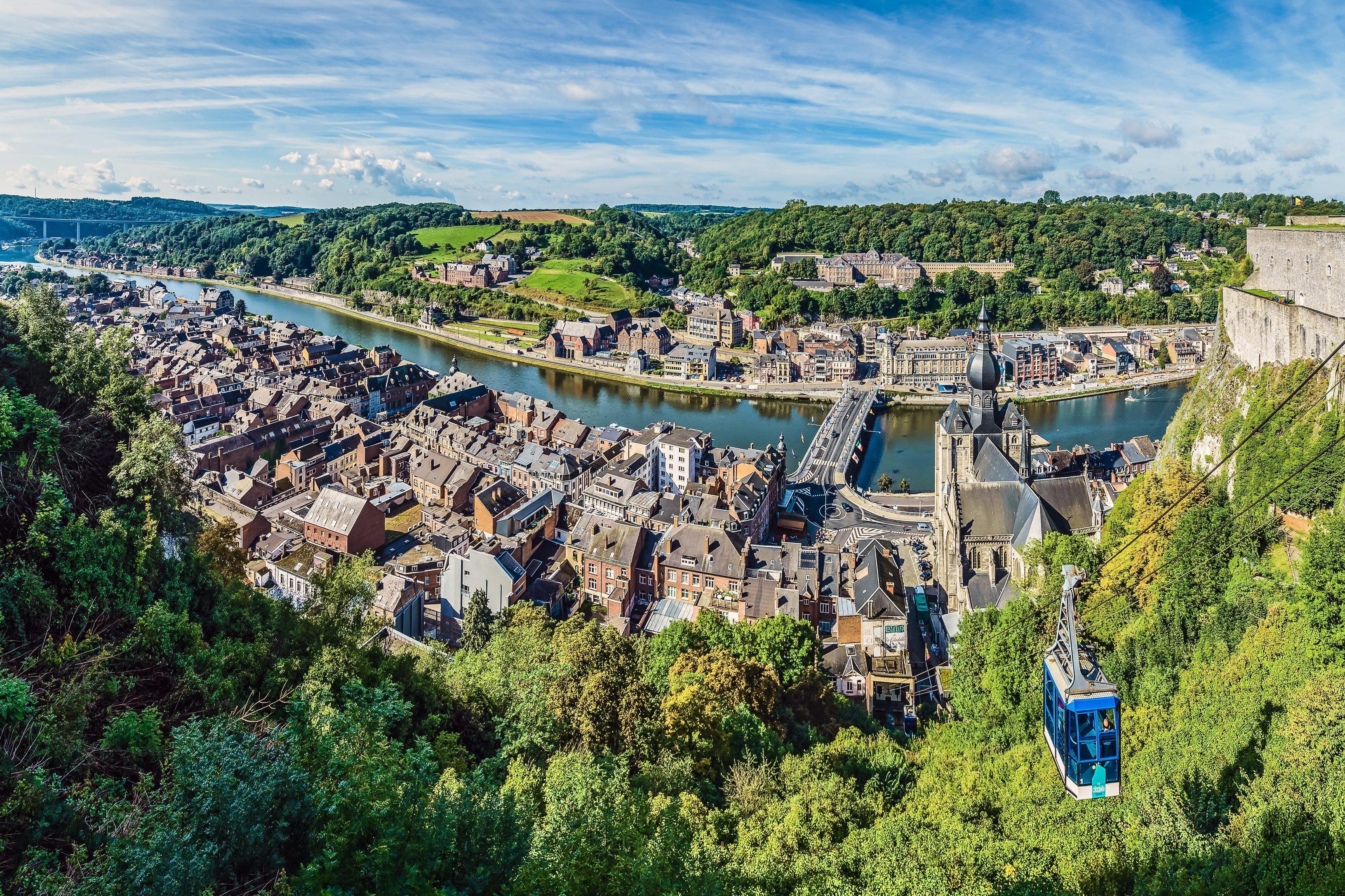 Panaroma foto over het plaatsje Dinant in de Ardennen