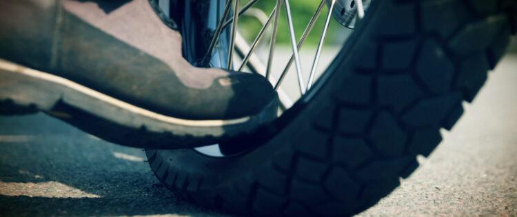 Motorrijtips video: 'Opeens… een lekke band!'