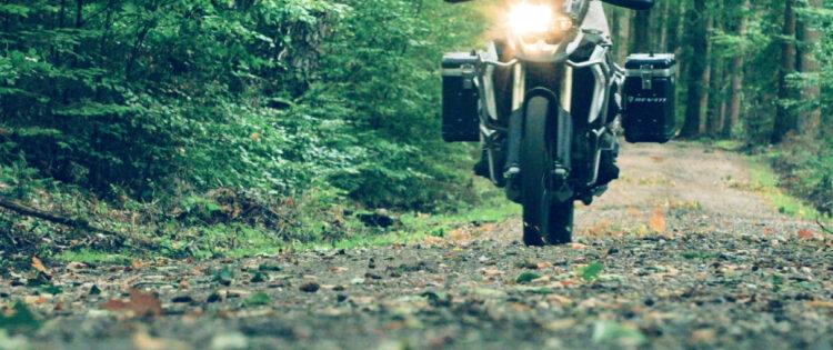 Motorrijtips video: 'Opeens… een stukje onverhard!'