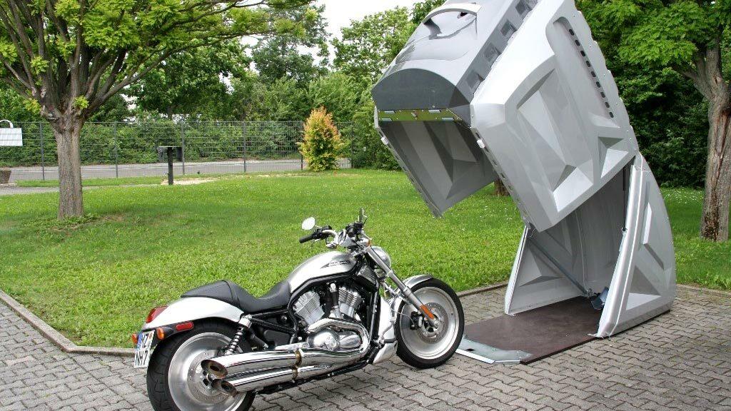 Kunststof motorberging
